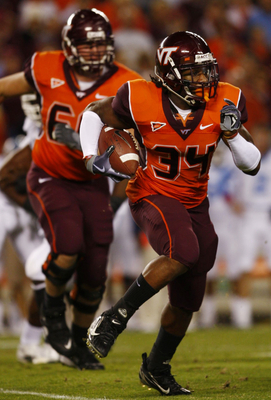 BLACKSBURG, VA - OCTOBER 29:  Running back Ryan Williams #34 of the Virginia Tech University Hokies carries the ball in the first quarter of the game against the North Carolina Tar Heels at Lane Stadium on October 29, 2009 in Blacksburg, Virginia.  (Photo