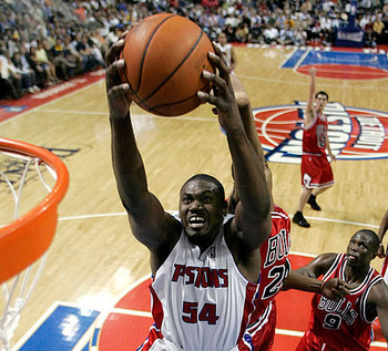Jason-maxiell-rebounds_display_image