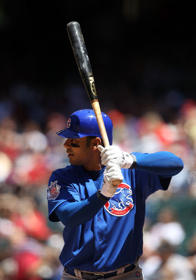 PHOENIX, AZ - MAY 01:  Carlos Pena #22 of the Chicago Cubs bats against the Arizona Diamondbacks during the Major League Baseball game at Chase Field on May 1, 2011 in Phoenix, Arizona.  The Diamondbacks defeated the Cubs 4-3.  (Photo by Christian Peterse