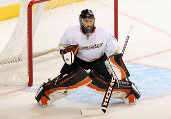 GLENDALE, AZ - JANUARY 15:  Goaltender Jonas Hiller #1 of the Anaheim Ducks in action during the NHL game against the Phoenix Coyotes at Jobing.com Arena on January 15, 2011 in Glendale, Arizona.  The Coyotes defeated the Ducks 6-2.  (Photo by Christian P