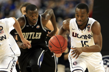 HOUSTON, TX - APRIL 04:  Kemba Walker #15 of the Connecticut Huskies chases down the ball against the Butler Bulldogs during the National Championship Game of the 2011 NCAA Division I Men's Basketball Tournament at Reliant Stadium on April 4, 2011 in Hous