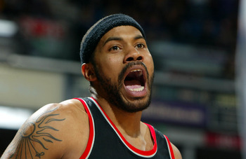 SACRAMENTO, CA -  JANUARY 20:   Rasheed Wallace #30 of the Portland Trail Blazers argues after receiving a technical foul against the Sacramento Kings during an NBA game on January 20, 2004 at Arco Arena in Sacramento, California.  NOTE TO USER: User expr