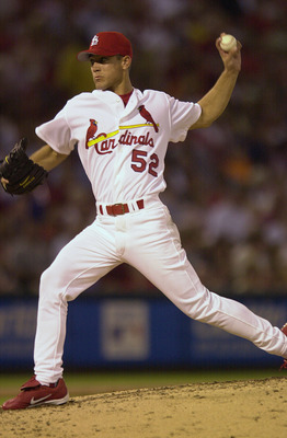 16 Jul 2001:  Bud Smith #52 of the St.Louis Cardinals delivers a pitch against the Minnesota Twins at Busch Stadium in St. Louis, Missouri. The St.Louis Cardinals beat the Minnesota Twins 4-3. DIGITAL IMAGE. Mandatory Credit: Elsa/ALLSPORT