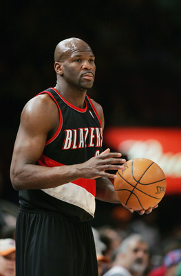 NEW YORK - JANUARY 9:  Ruben Patterson #21 of the Portland Trail Blazers looks on as he holds the ball against the New York Knicks during the game on January 9, 2005 at Madison Square Garden in New York City.  The Knicks won 113-105.  NOTE TO USER:  User