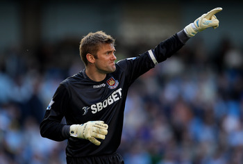 MANCHESTER, ENGLAND - MAY 01:  Robert Green of West Ham United gestures during the Barclays Premier League match between Manchester City and West Ham United at the City of Manchester Stadium on May 1, 2011 in Manchester, England.  (Photo by Alex Livesey/G