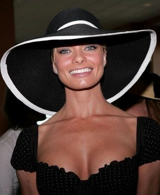Jaime-pressly_display_image