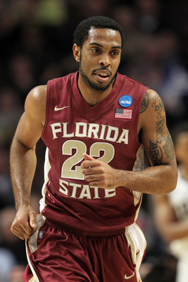 CHICAGO, IL - MARCH 20:  Derwin Kitchen #22 of the Florida State Seminoles runs up court in the first half against the Notre Dame Fighting Irish during the third round of the 2011 NCAA men's basketball tournament at the United Center on March 20, 2011 in