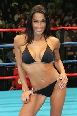 Ring-card-girls-star-boxing1_display_image