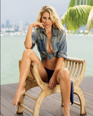Hot100_19_kournikova_l_display_image