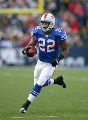 ORCHARD PARK, NY - NOVEMBER 28:  Fred Jackson #22 of the Buffalo Bills runs against the Pittsburgh Steelers at Ralph Wilson Stadium  on November 28, 2010 in Orchard Park, New York. Pittsburgh won 19-16 in overtime.  (Photo by Rick Stewart/Getty Images)