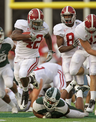 ORLANDO, FL - JANUARY 01:  Eddie Lacy #42 of the Alabama Crimson Tide rushes for a touchdown during the Capitol One Bowl against the Michigan State Spartans at the Florida Citrus Bowl on January 1, 2011 in Orlando, Florida.  (Photo by Mike Ehrmann/Getty I