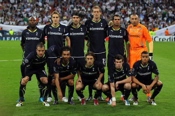 MADRID, SPAIN - APRIL 05:  The Tottenham Hotspur team (L-R back row) William Gallas, Michael Dawson, Vedran Corluka, Peter Crouch, Raniere Sandro and Heurelho Gomes (L-R front row) Rafael Van der Vaart, Benoit Assou-Ekotto, Luka Modric, Gareth Bale and Je