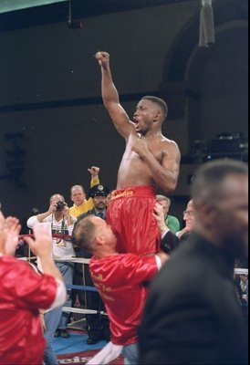 3 Apr 1995:  Pernell Whitaker celebrates after winning a fight against Julio Cezar Vasquez.  Mandatory Credit: Simon Bruty  /Allsport