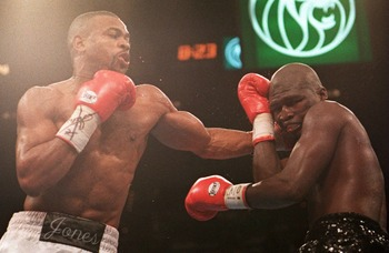 18 Nov 1994: ROY JONES JR. LANDS A LEFT TO THE HEAD OF JAMES TONEY TONIGHT DURING THEIR SUPER MIDDLEWEIGHT CHAMPIONSHIP BOUT AT THE MGM GRAND IN LAS VEGAS, NEVADA. JONES WENT ON TO WIN THE TITLE BY A UNANIMOUS DECISION.