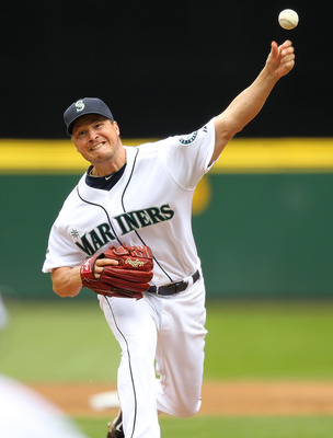SEATTLE - APRIL 10:  Starting pitcher Erik Bedard #45 of the Seattle Mariners pitches against the Cleveland Indians at Safeco Field on April 10, 2011 in Seattle, Washington. (Photo by Otto Greule Jr/Getty Images)