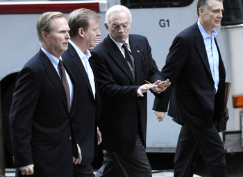 WASHINGTON, DC - MARCH 11:  (L to R) New York Giants owner John Mara, NFL Commissioner Roger Goodell, Dallas Cowboys owner Jerry Jones, and Pittsburgh Steelers president Art Rooney II walk together as they depart after failing to reach an agreement in lab