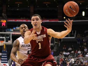 LOS ANGELES, CA - MARCH 10:  Klay Thompson #1 of the Washington State Cougars goes after the ball in front of Isaiah Thomas #2 of the Washington Huskies in the second half in the quarterfinals of the 2011 Pacific Life Pac-10 Men's Basketball Tournament at