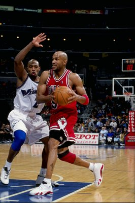 19 Feb 1999:  Ron Harper #9 of the Chicago Bulls in action during the game against the Washington Wizards at the MCI Center in Washington, D.C. The Wizards defeated the Bull 93-91.  Mandatory Credit: Doug Pensinger  /Allsport