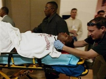 Tracy-mcgrady-back-injury-stretcher_display_image