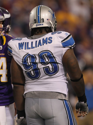 MINNEAPOLIS - SEPTEMBER 26:  Brett Favre #4 of the Minnesota Vikings and Corey Williams # 99 of the Detroit Lions share a laugh during the second half at Hubert H. Humphrey Metrodome on September 26, 2010 in Minneapolis, Minnesota. The Vikings defeated th