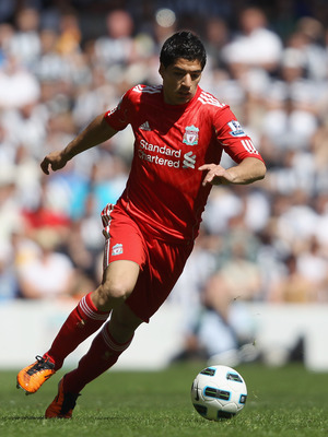 LIVERPOOL, ENGLAND - MAY 01:  Luis Suarez of Liverpool in action during the Barclays Premier League match between Liverpool  and Newcastle United at Anfield on May 1, 2011 in Liverpool, England.  (Photo by Clive Brunskill/Getty Images)