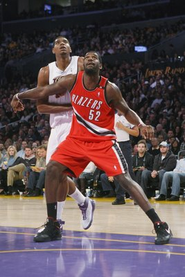 LOS ANGELES - JANUARY 4:  Greg Oden #52 of the Portland Trail Blazers blocks out against Andrew Bynum #17 of the Los Angeles Lakers on January 4, 2009 at Staples Center in Los Angeles, California.    NOTE TO USER: User expressly acknowledges and agrees th