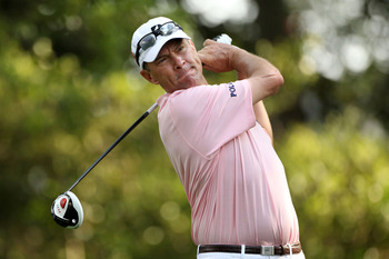 AUGUSTA, GA - APRIL 08:  Davis Love III hits his tee shot on the second hole during the second round of the 2011 Masters Tournament at Augusta National Golf Club on April 8, 2011 in Augusta, Georgia.  (Photo by Andrew Redington/Getty Images)