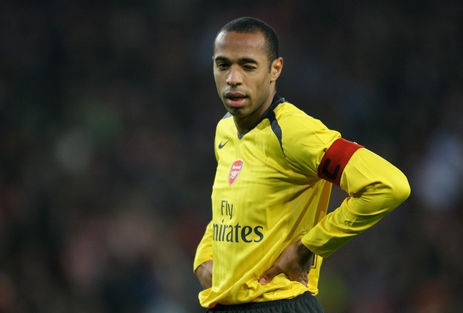 EINDHOVEN, NETHERLANDS - FEBRUARY 20:  Thierry Henry of Arsenal looks dejected during the UEFA Champions League Round of 16, first leg between PSV Eindhoven and Arsenal at the Philips Stadium on February 20, 2007 in Eindhoven, Netherlands.  (Photo by Shau