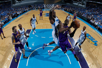 Sixth man Lamar Odom terrorized the Hornets in Game 2 with his length as Los Angeles evened the series.