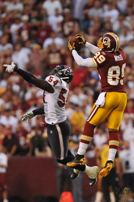 LANDOVER, MD - SEPTEMBER 19:  Santana Moss #89 of the Washington Redskins makes a catch against the Houston Texans at FedExField on September 19, 2010 in Landover, Maryland. The Texans defeated the Redskins in overtime 30-27. (Photo by Larry French/Getty