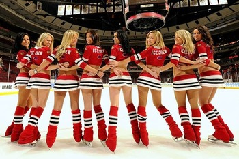 Blackhawks-ice-crew-girl14_original_display_image