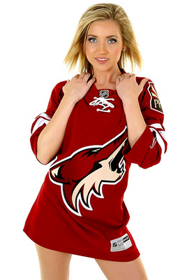 Coyotes-the-pack-dancer12_display_image
