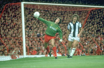 1980:  Liverpool Goalkeeper Ray Clemence throws upfield during a match against West Bromwich Albion at Anfield in Liverpool, England \ Mandatory Credit: Allsport UK /Allsport