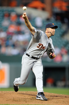 BALTIMORE, MD - APRIL 06:  Justin Verlander #35 of the Detroit Tigers pitches against the Baltimore Orioles at Oriole Park at Camden Yards on April 6, 2011 in Baltimore, Maryland.  (Photo by Greg Fiume/Getty Images)