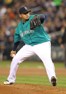 SEATTLE - MAY 06:  Starter Felix Hernandez #34 of the Seattle Mariners pitches against the Chicago White Sox at Safeco Field on May 6, 2011 in Seattle, Washington. (Photo by Otto Greule Jr/Getty Images)