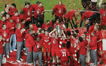 ISTANBUL, TURKEY - MAY 25:  Liverpool players celebrate with the trophy following the victory in the UEFA Champions League final between Liverpool and AC Milan on May 25, 2005 at the Ataturk Olympic Stadium in Istanbul, Turkey.  (Photo by Getty Images/Get