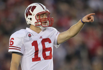 PASADENA, CA - JANUARY 01:  Quarterback Scott Tolzien #16 of the Wisconsin Badgers stands on the field during the game against the TCU Horned Frogs in the 97th Rose Bowl game on January 1, 2011 in Pasadena, California.  (Photo by Jeff Gross/Getty Images)