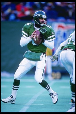 24 Dec 1995:  Quarterback Bubby Brister of the New York Jets drops back to pass during a game against the New Orleans Saints at the Meadowlands in East Rutherford, New Jersey.  The Saints won the game 12-0. Mandatory Credit: Al Bello  /Allsport
