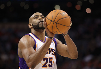 PHOENIX, AZ - MARCH 30:  Vince Carter #25 of the Phoenix Suns shoots a free throw shot during the NBA game against the Oklahoma City Thunder at US Airways Center on March 30, 2011 in Phoenix, Arizona. The Thunder defeated the Suns 116-98.  NOTE TO USER: U