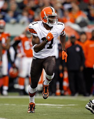CINCINNATI - NOVEMBER 29:  Mohamed Massaquoi #11 of  the Cleveland Browns runs during the NFL game against the Cincinnati Bengals at Paul Brown Stadium on November 29, 2009 in Cincinnati, Ohio.  (Photo by Andy Lyons/Getty Images)