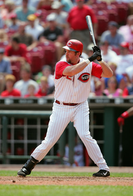 CINCINNATI, OH - JULY 21:  Infielder Sean Casey #21 of the Cincinnati Reds waits for a Chicago Cubs pitch during the game on July 21, 2005 at Great American Ballpark in Cincinnati, Ohio. The Reds won 9-6. (Photo by Andy Lyons/Getty Images)