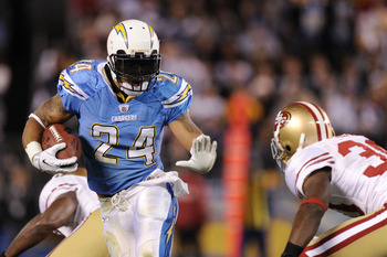 SAN DIEGO, CA - DECEMBER 16:  Running back Ryan Mathews #24 of the San Diego Chargers rushes with the ball against the San Francisco 49ers at Qualcomm Stadium on December 16, 2010 in San Diego, California.  (Photo by Harry How/Getty Images)