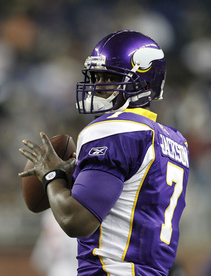 DETROIT, MI - DECEMBER 13: Tavaris Jackson #7 of the Minnesota Vikings warms up prior to the start of the game against the New York Giants on December 13, 2010 in Detroit, Michigan.  (Photo by Leon Halip/Getty Images)