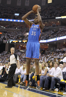MEMPHIS, TN - MAY 07:  Kevin Durant #35 of the Oklahoma City Thunder shoots the ball during the game against the Memphis Grizzlies in Game Three of the Western Conference Semifinals in the 2011 NBA Playoffs at FedExForum on May 7, 2011 in Memphis, Tenness