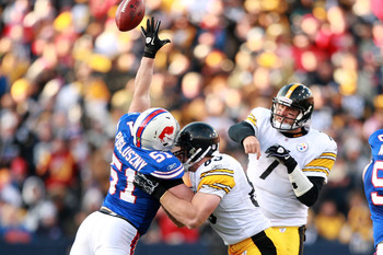 ORCHARD PARK, NY - NOVEMBER 28:  Paul Posluszny #51 of the Buffalo Bills tips a pass from Ben Roethlisberger #7 of the Pittsburgh Steelers during their game at Ralph Wilson Stadium on November 28, 2010 in Orchard Park, New York.  (Photo by Karl Walter/Get