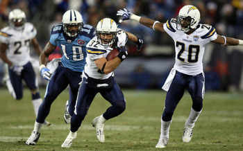 NASHVILLE, TN - DECEMBER 25: Eric Weddle #32 of the San Diego Chargers returns this interception intended for Kenny Britt #18 of the Tennessee Titans on December 25, 2009 at LP Field in Nashville, Tennessee. (Photo by Rex Brown/Getty Images)