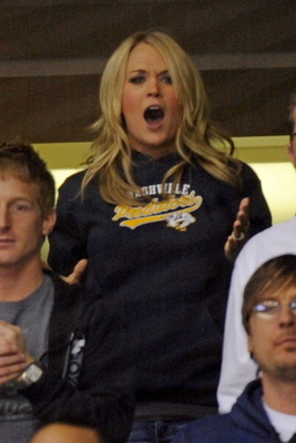 2-17-11-vancouver-canucks-v-nashville-predators-hockey-game-carrie-underwood-20773869-396-594_display_image