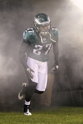 PHILADELPHIA, PA - DECEMBER 02:  Quintin Mikell #27 of the Philadelphia Eagles takes the field during player introductions against the Houston Texans at Lincoln Financial Field on December 2, 2010 in Philadelphia, Pennsylvania.  (Photo by Jim McIsaac/Gett