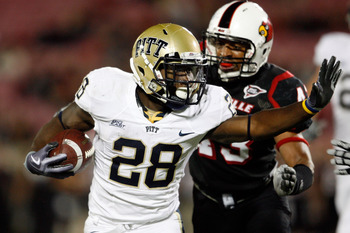LOUISVILLE, KY - OCTOBER 02:  Dion Lewis #28 of the Pittsburgh Panthers runs with the ball during the Big East Conference game against the Louisville Cardinals  at Papa John's Cardinal Stadium on October 2, 2009 in Louisville, Kentucky.  Pittsburgh won 35