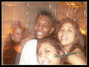 tj-ford-andrea-bargnani-chris-bosh-toronto-raptors-3-drunk-pictures11_display_image.jpg?1304981880